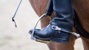 stirrups in horseback riding